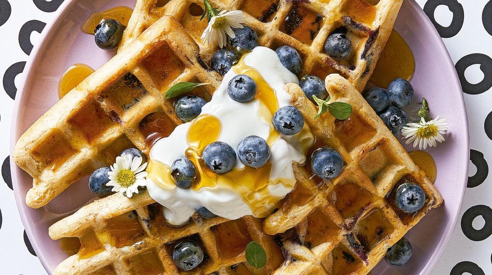 botanas saludables y waffle de mango
