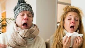 Pareja con resfriado