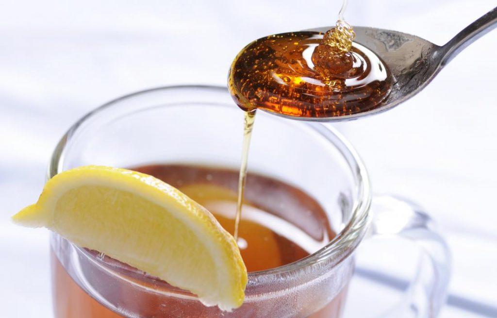 Té de limón con miel
