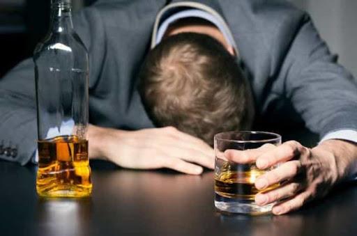 ¿Problemas relacionados con el alcohol?