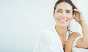 Mujer con piel sana