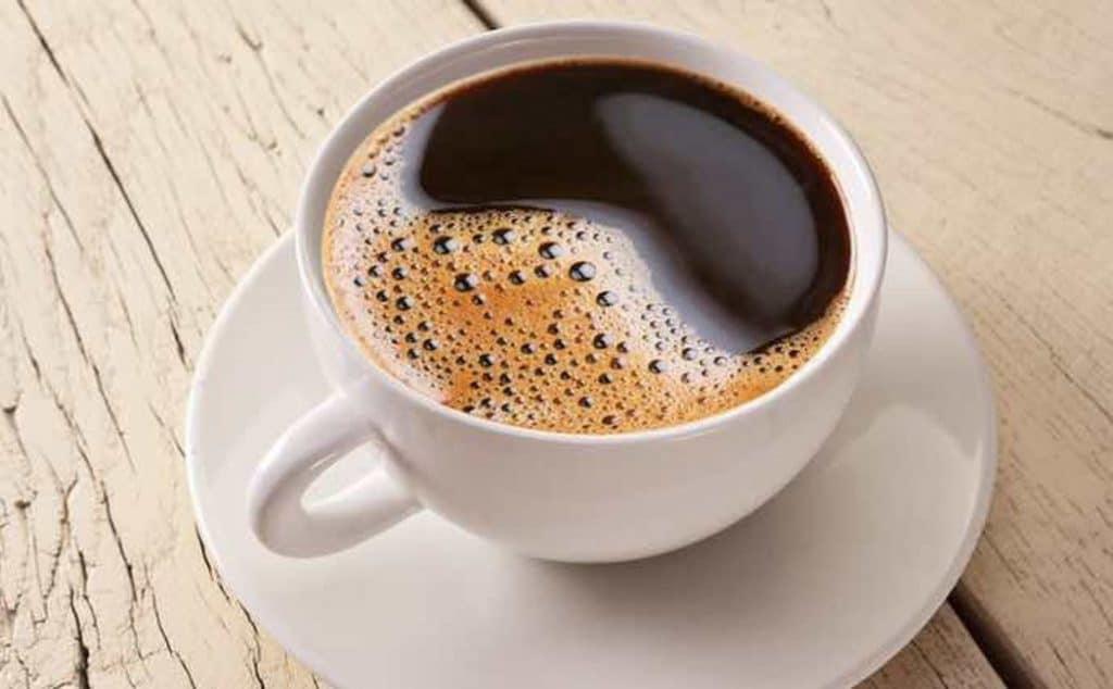 Taza de café negro