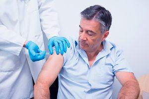los adultos deberian vacunarse contra el sarampión