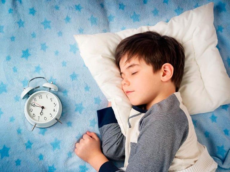 La mejor hora para dormir en niños